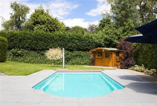golf swimming pool