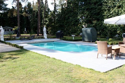 завършен басейн Голф